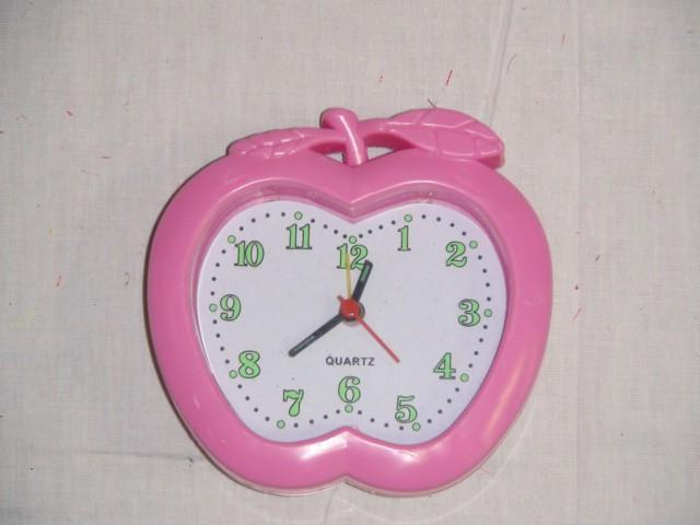Будильник 11*10 см., розовый