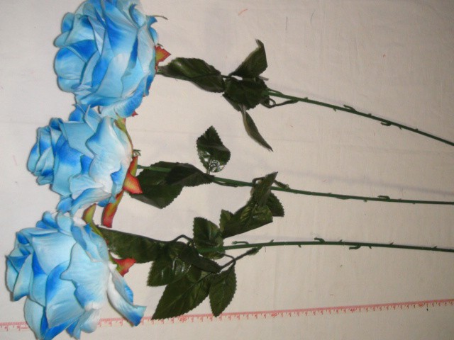 Роза круглая 68 см., D=10*10 см., пластик, ткань, голубая