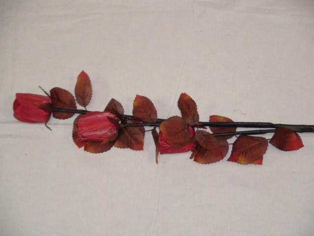 Ветка роз декоративная, 90 см, ткань, дерево.