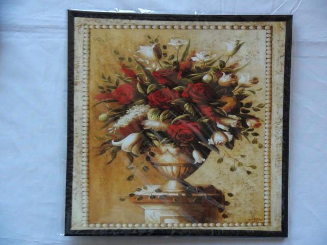 """Панно """"Белая ваза с красными розами"""" 24*24 см."""